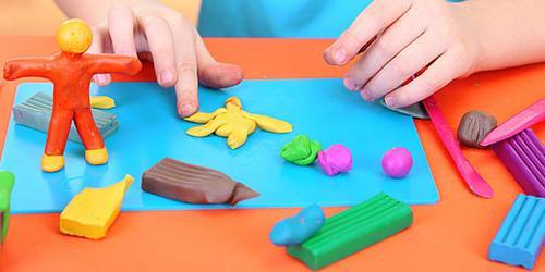 пластилин хороший подарок ребенку на 2 года
